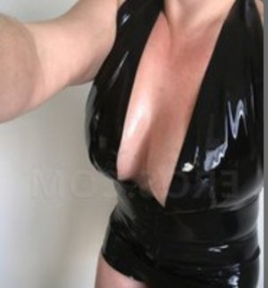 Rose-anna escort girl in Rancho Cucamonga CA