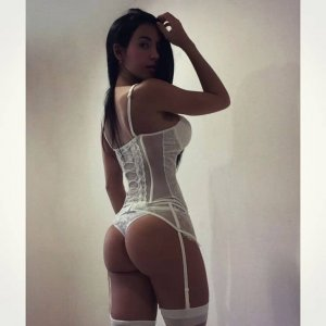 Ouarda call girl in Loveland Ohio