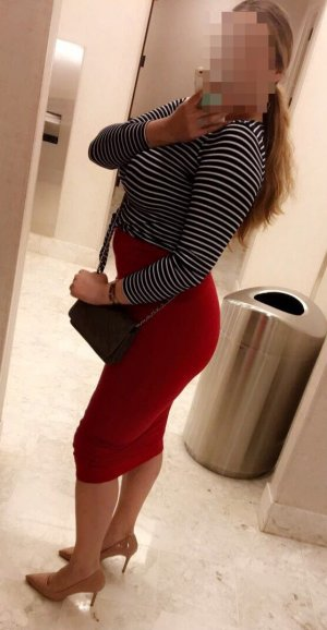Alida escort girl in Granite City