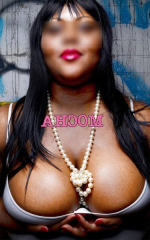Nessah live escort in Lake Shore Maryland