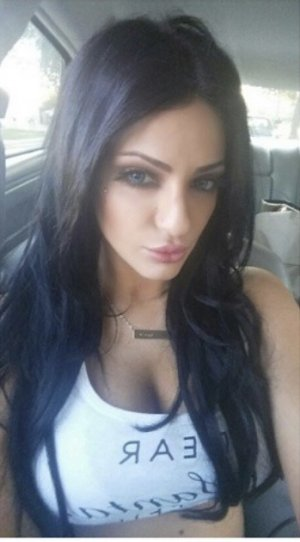 Leyane call girl in Anchorage Alaska